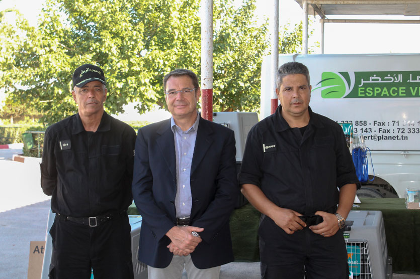 Ferplast export manager with some members of the tunisian civil guard