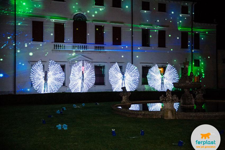 show de borboletas para a festa do 50º aniversário da Ferplast