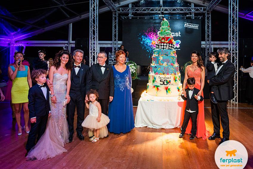 torta di cake design per la festa dei 50 anni ferplast