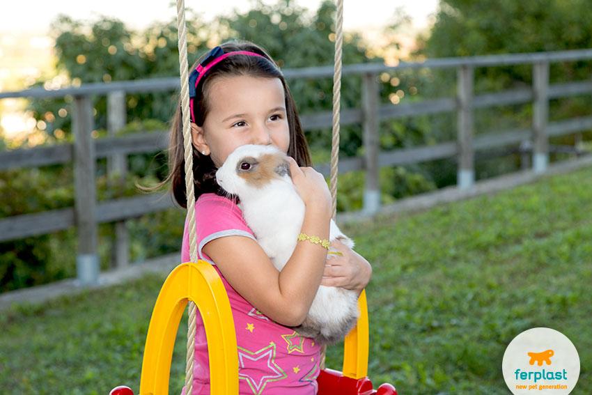 bambini e conigli