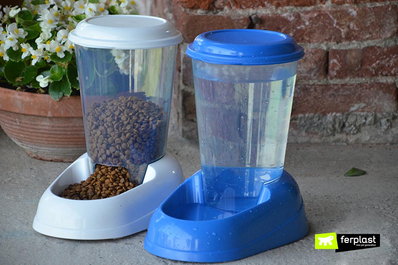 Dispenser di cibo e acqua Ferplast