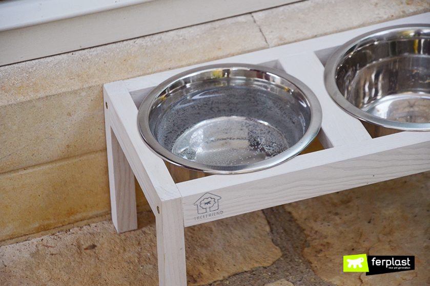 Arredamento per cani design e accessori in legno per la for Accessori per arredare casa