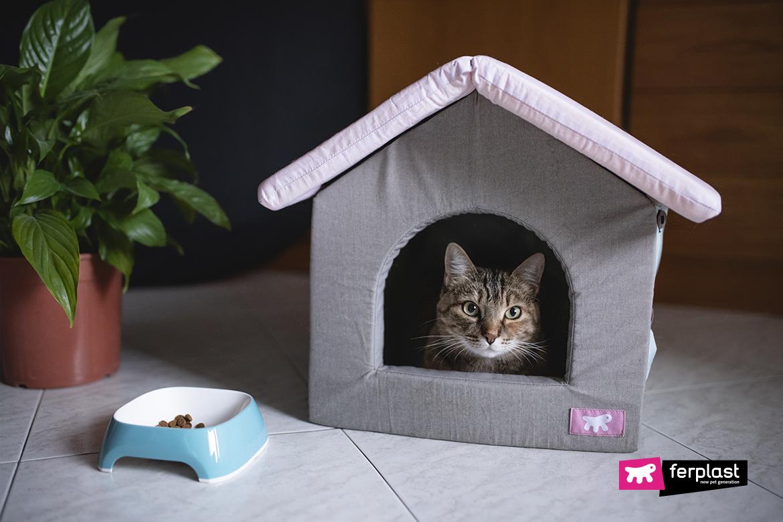 Закрытые домики для кошек