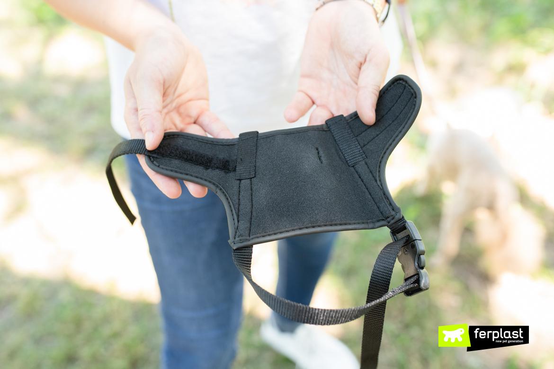 Намордник Safe от Ferplast  из нейлона и имеет мягкую внутреннюю подкладку для максимального комфорта