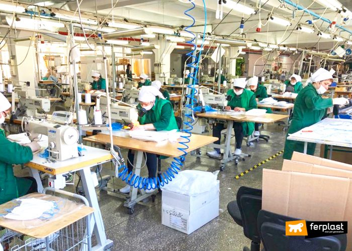 FERPLAST CONVERT THE PRODUCTION IN MASKS