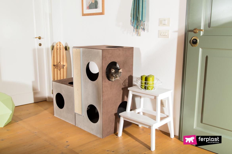 установить домик для кошачьих когтеточек
