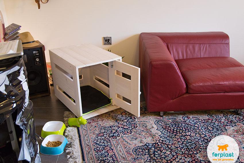 cuccia da interni o kennel in legno per cani